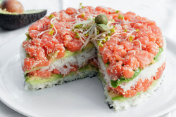 thenewsgal:  The Sushi Layer Cake: YEEESSSSS. Created in France, natch. [foodbeast]