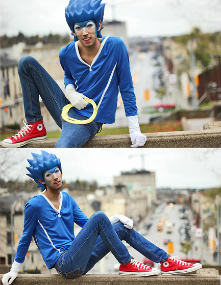 SONIC: CITY ESCAPE (by Bobby Raffin) Cool costume