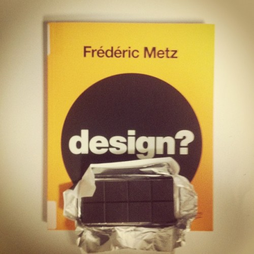 Design vs chocolat ? #book #design #dark #chocolate #70% #lindt