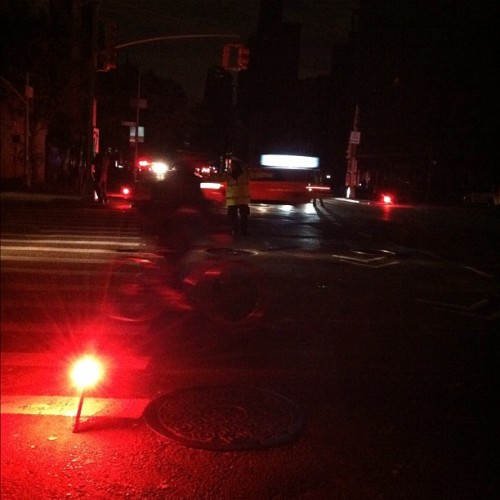 Traffic glow #nyc #blackout (at Manhattan, New York)