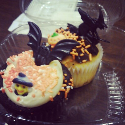 Cupcakes!! Kelsey brought me one! :) love her!