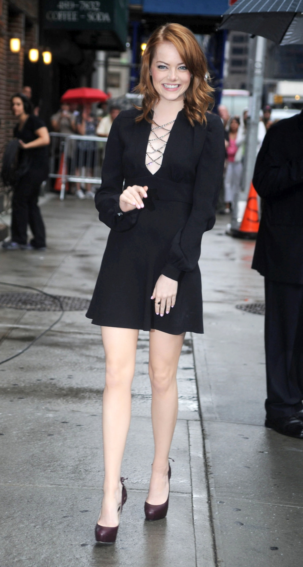 Emma Stone - Arriving At The Late Show With David Letterman 03.08.11Emma Stone - Source : SwaGirl.com
