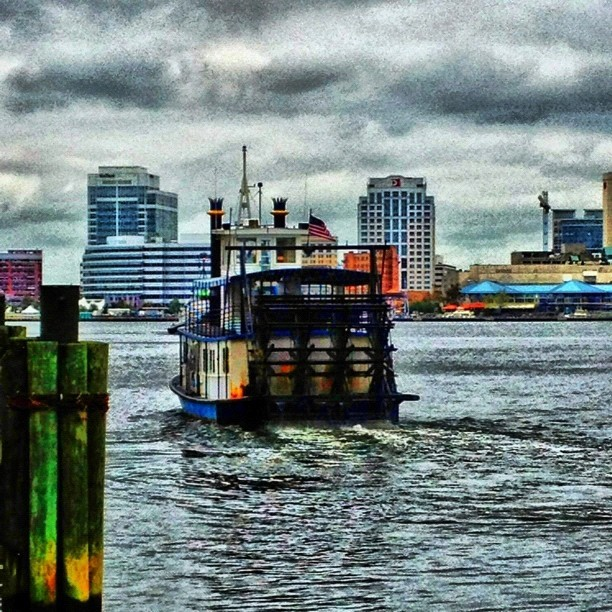Riverboat gamblah.  #ferry #norfolk #portsmouth #757 #barco