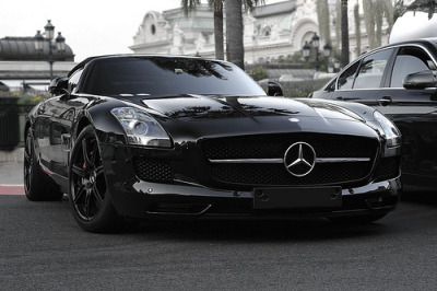 affluence-de-la-vie:  Mercedes-Benz SLS AMG Roadster