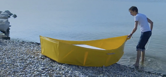 emergentfutures:  Rowboat can be folded away The Ar Vag by design student Thibault Penven is a DIY canoe that can be packed away after use. Full Story: Springwise  Might need to have these on hand in NYC.