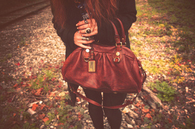 Autum,Bag,Black,Brown,Fashion,Girl,Green,Hair,Leaves,Nails,