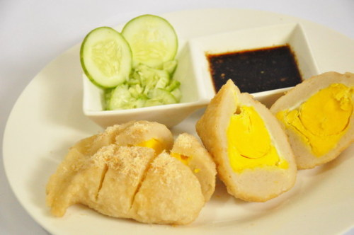 indonesianculinary:  Pempek Kapal Selam  my most favorite, never get enough…