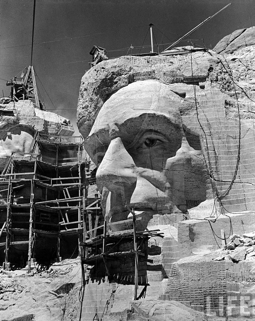 Sculpting of Lincoln at Mt Rushmore, by Alfred Eisenstaedt 1940