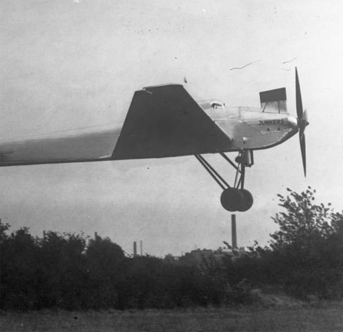 the Junkers Ju 49 pressurised aircraft, circa 1931 (via)