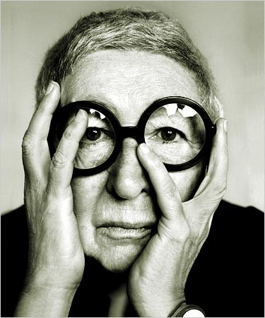 R.I.P. Gae Aulenti - (1927-11.01.2012) Best known as the architect of the Musée D'Orsay in Paris, Gae Aulenti is also a prolific designer of lighting and furniture.