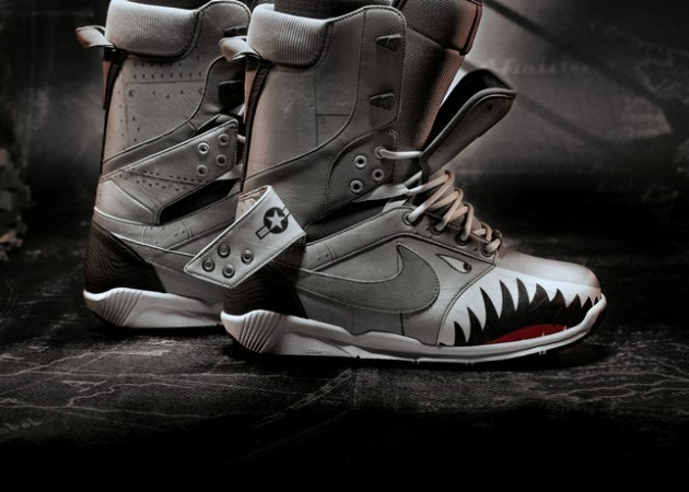 dpstyles:  WANT. (via Nike Fighter Jet Inspired Snowboarding Boots | HiConsumption)  These are super dope