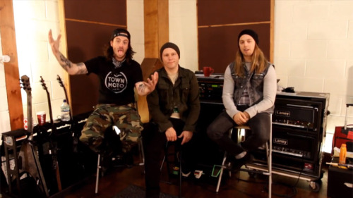 Vultures Track by Track Exclusive Matt, Liam and Jason sit down to run through the entire album exclusively for MySpace. Visit the official page to watch the full interview right now.