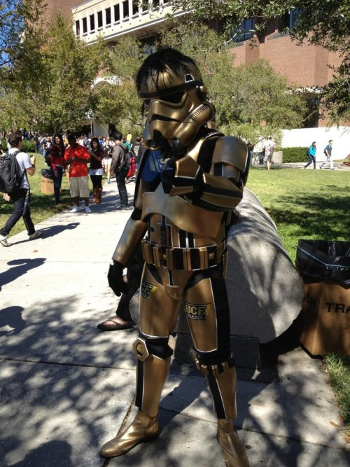 thesexbobombs:  shannonsux:  never-thehero:  Star Wars and UCF Knights. WHY DID I NEVER THINK OF THIS!?  I'm so proud of my school rn haha  UCF > your school