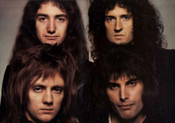 Queen Photo taken by Terry O'Neill in 1976.