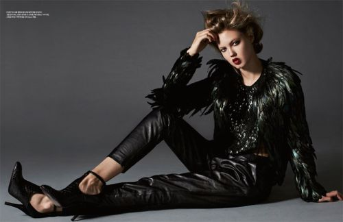 stormtrooperfashion:  Lindsey Wixson by Michael Schwartz for Harper's Bazaar Korea, November 2012 See more from this set here.