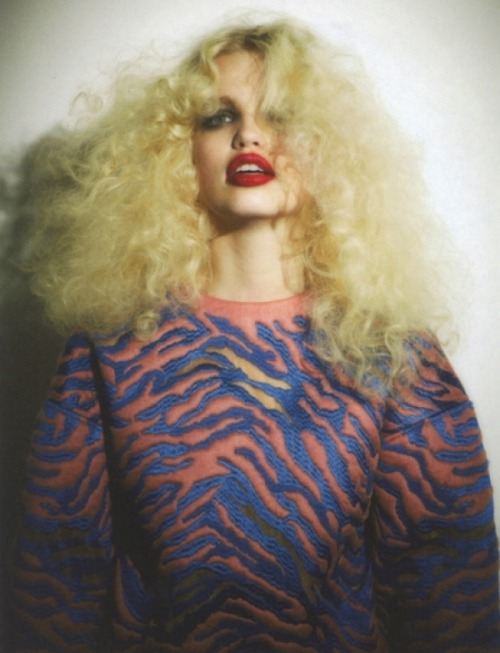 sfilate:  Daphne Groeneveld photographed by Ezra Petronio for Self Service n°37