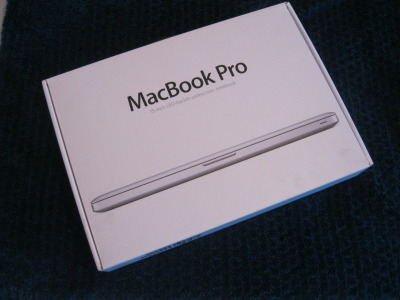 covered-in-metallic:  Novemeber macbook give away! must be following me covered-in-metallic, reblog as many times as you like, your name will be put in once for every reblog and ill be choosing a winner decemember 1st! Good luck!