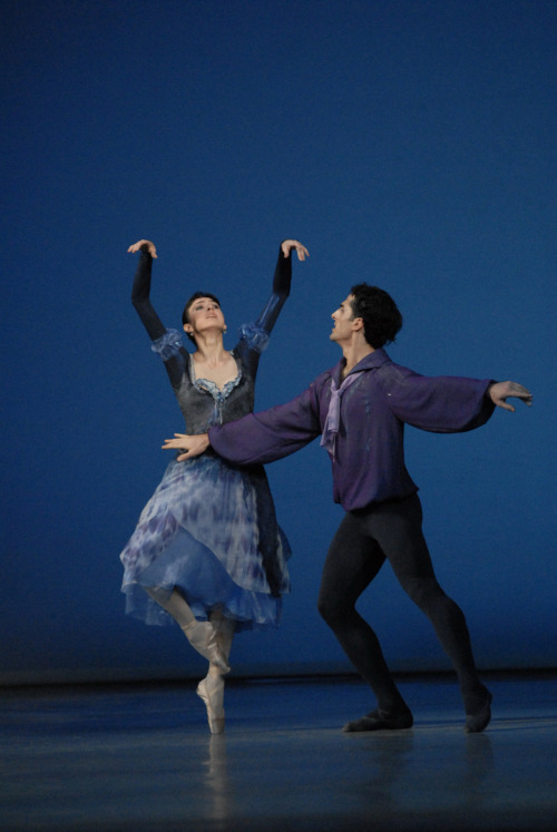 Nina Ananiashvili and Vasil Chichiashvili in Bizet Variations. Photo by Lado Vachnadze.