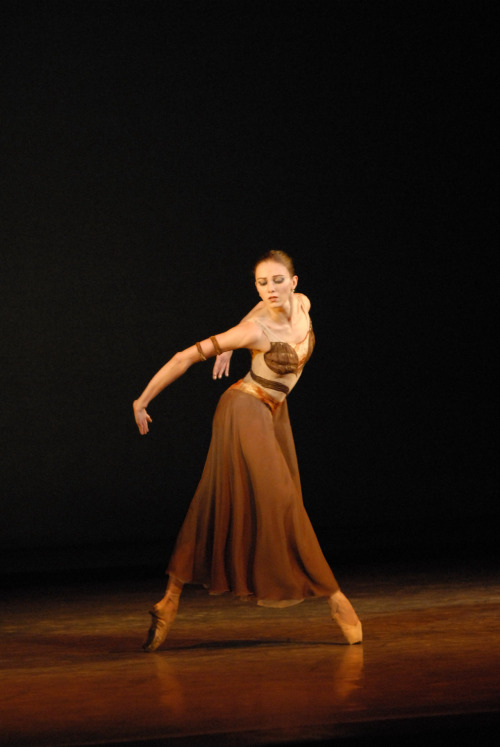 Anna Muradeli in Yuri Possokhov's Sagalobeli. Photo by Lado Vachnadze.