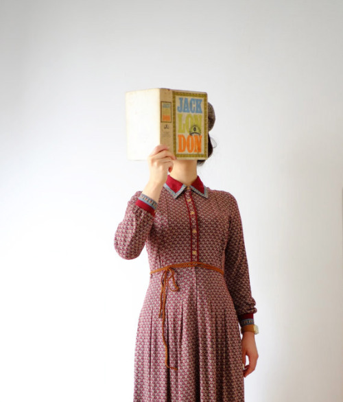 Woman, reading - splendid merchandising of vintage clothing via JulesAtelier.