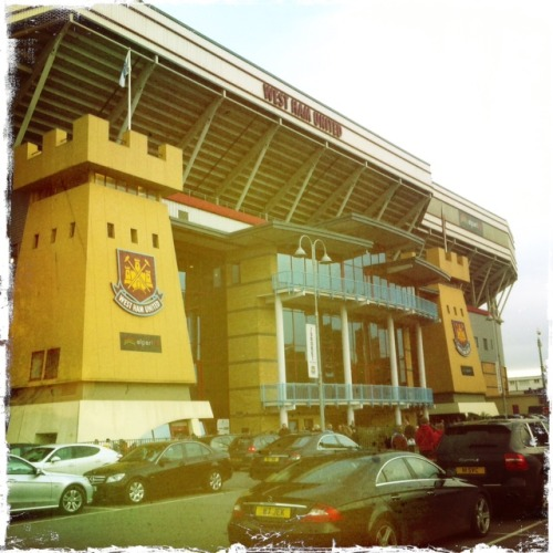 Pre-game from West Ham v Manchester City!
