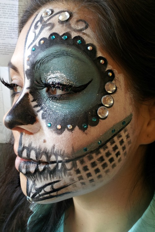 makeupftw:  A look I did for a girl at a dia de los muertos event!