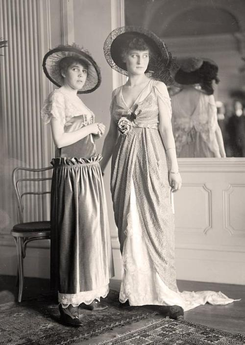 National Style Show models, 1914 Another shot: