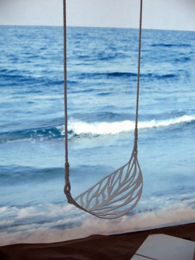 Leaf Swing by the ocean for Jeyne Westerling