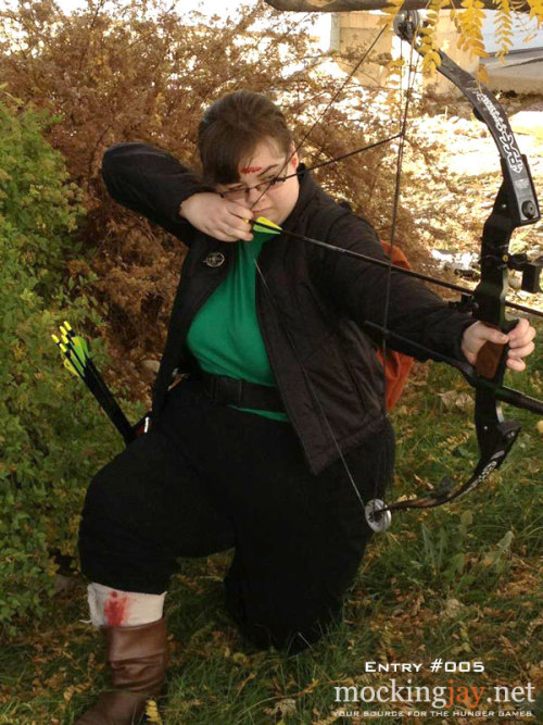 Entry #005 in the 2012 Mockingjay.net Costume Contest. Katniss Everdeen in the Arena by Taylor.