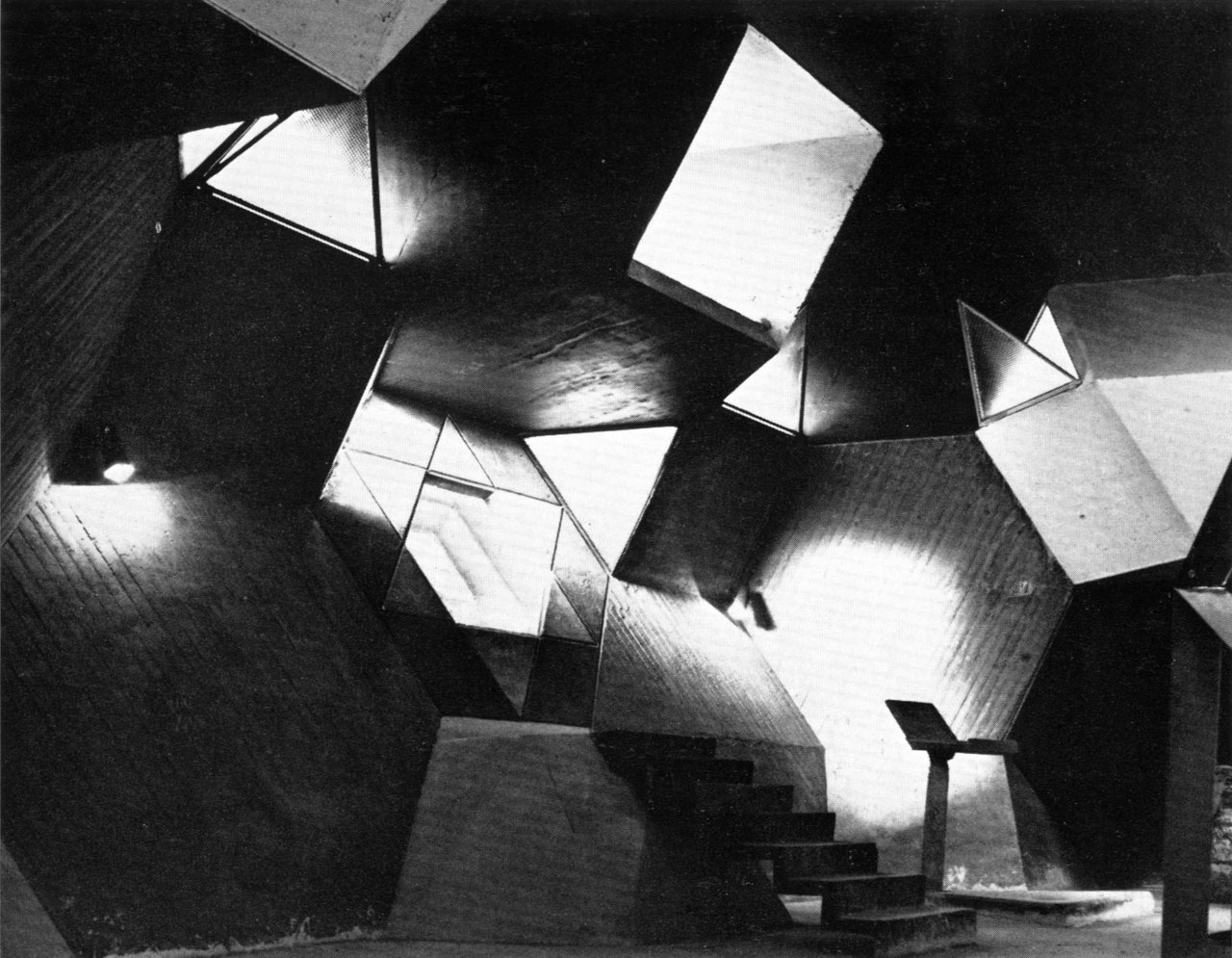 Synagogue, Negev Desert, Israel, 1967-69 (Alfred Neumann and Zvi Hecker)