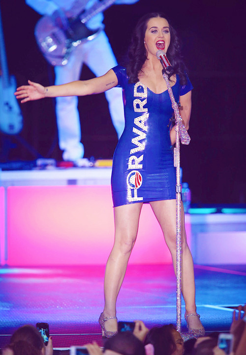 iheartkatyperry:  Katy performing at a campaign rally for President Barack Obama - 11.03.2012