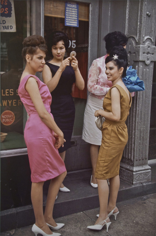 toninetica:  New York City 1963  Photo by Joel Meyerowitz
