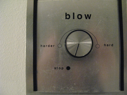 blow air conditioner photograph by Veronica Belmont :: via earlysound