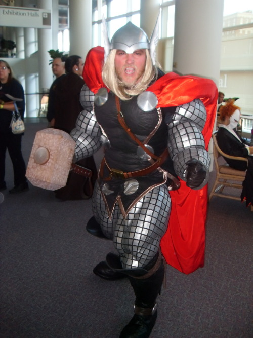 teababe27:  Thor. I loved this costume.  Sweet god.