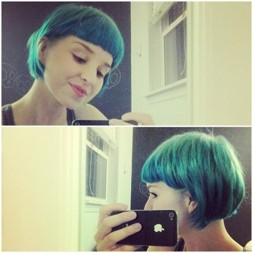 charlavail:  All blue is back ^_^ thanks Sam for the haircut