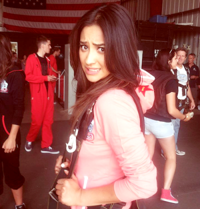 teenagehipster:  Shay Mitchell from Pretty Little Liars -a couple more guys-