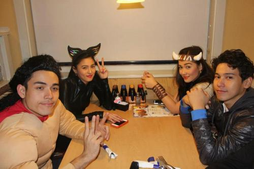 chinita-princess:  after ng Haloween night naguwian na daw ang lahat pero yung apat, Kimxi and Majong nag dinner pa. May nagsabi….. fan: Wow! double date!! tas biglang sambit ni maj Maj: Hindi a! Kami ni Enchong friendly date. Sila ang date! (pointing to our kimxi). HAHAHAHAHA! Kalokaaa!! DATE DAW NILA! cto.