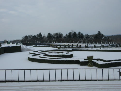 Versailles, December 2009 When fandom writes the garden of Malfoy Manor as being akin to an elaborate Royal French garden, all I can think of is the immense number of house-elves that would be required to keep up the pruning, all scaling ladders and tucking their secateurs and clippers into their tea-towels. Because any spell you set for topiary would be bound to end in a conifer-decapitating disaster. This is the sole reason why all my fanfic Malfoy Gardens are based on a classic English park model.