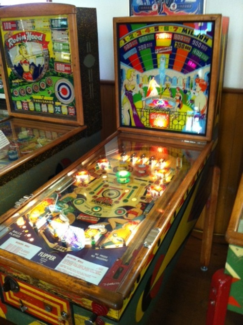 1955 Gottlieb Wishing Well, a 57 year old classic woodrail pinball machine that is beautiful to look at and fun to play. $850