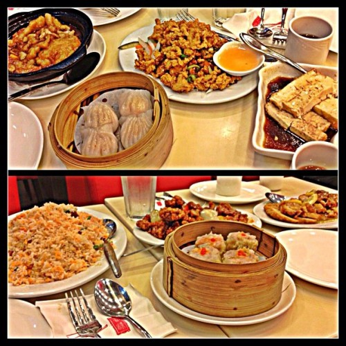 Dinner w/ the family. ☺😊❤👍 #hapchan #foods #foodporn #delicious #chinesecuisine #familyday #happy #smile #love #instapic  #instagram