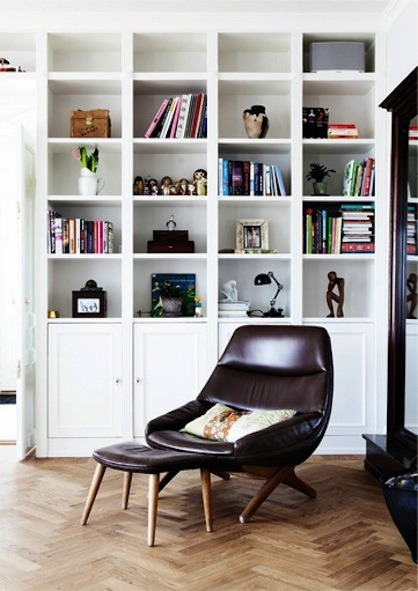 Source: Design Attractor Perfect place to relax and read a book :) Also the perfect mix of vintage and contemporary.