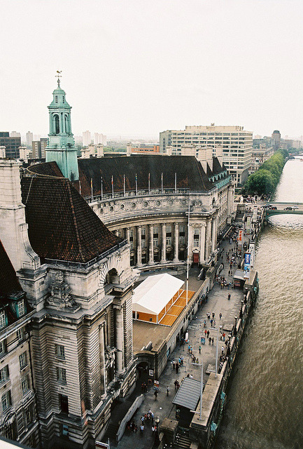 s-tuttered:  London County Hall by BazzaStraße on Flickr.