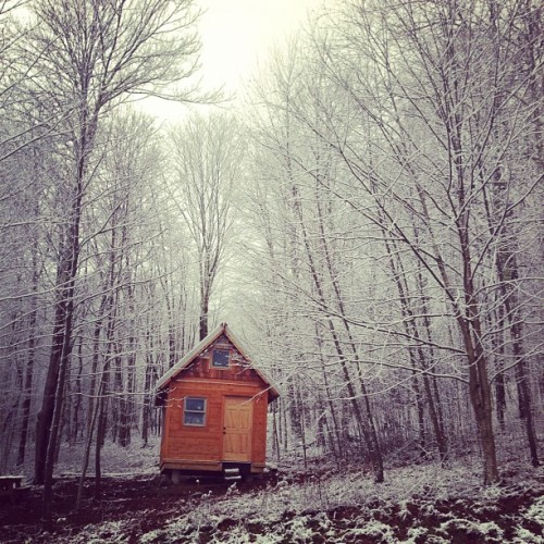 tinyhousesmallspace:  Tiny House in the Snow…