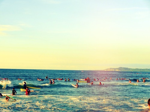 meetfriendsofmine:  Surf's up.  // La Union