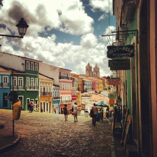#old street #salvador #bahia #people #church #sky #cloud #igers #pic #awesome #instahub #instagood #instamood #travel #twegram