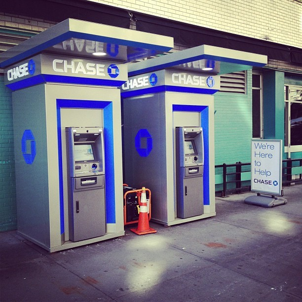 Chase set up generator powered ATMs by union square for the blackout