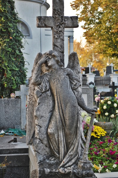 Doctor Who challenge- taking my own shot of a weeping angel = check! :)