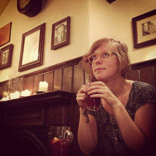 Mulled wine in the Eagle & Child pub #Oxford @LucyKnisley #Inklings