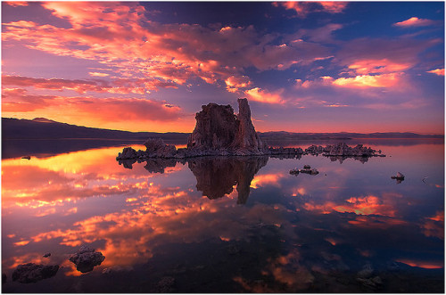 unacomecueritosmas:  Fire Reflections by kevin mcneal on Flickr.