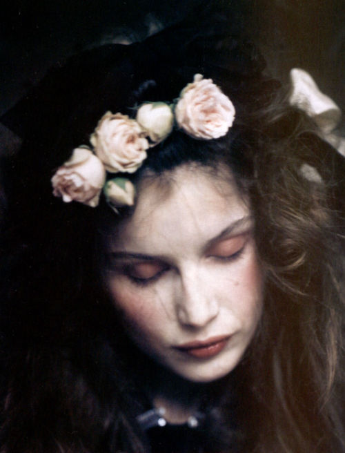 pradaphne:  Leatitia Casta photographed by Paolo Roversi for Vogue Italia February 2005.